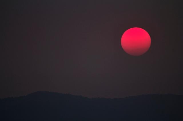 smokey_sun_over_Kobau